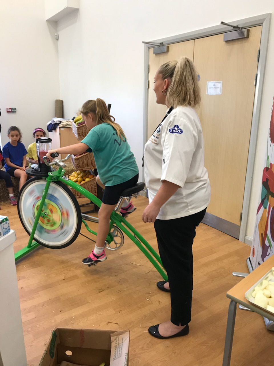 Schoolchildren learn the benefits of healthy living thanks to the roadshow led by Elena Baltacha Foundation chairman Nino Severino and sports scientist Lindsay Farish-Carradice